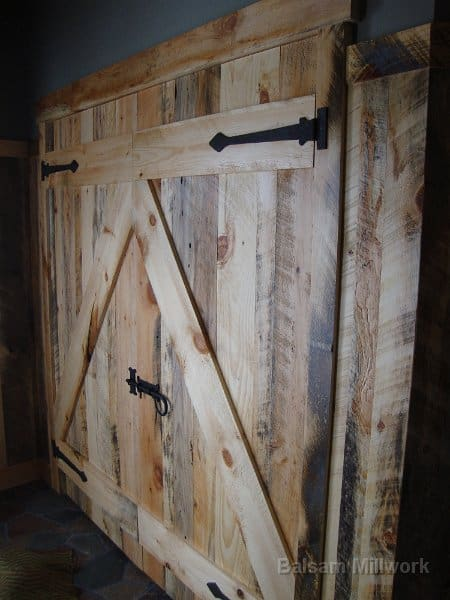 Carriage_House_Pine_Interior_Barn_Style_Door