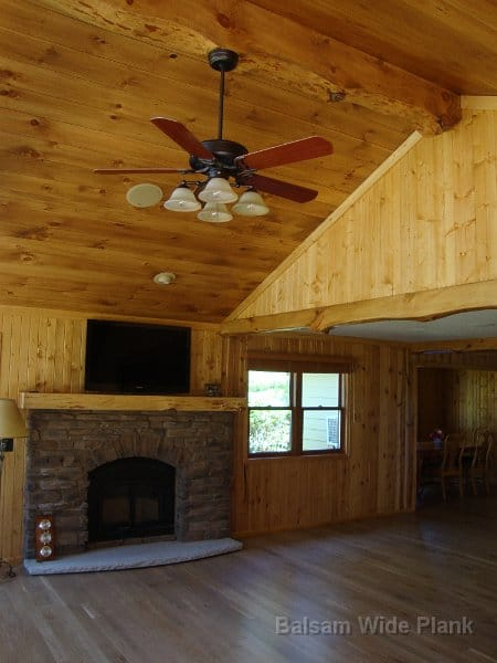 Character_White_Oak_Floor_Accented_with_a_White_Pine_Ceiling_