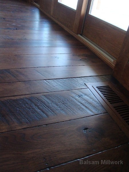 Hickory_Skip_Sawn_Flooring_with_Hand_Scraped_Edges