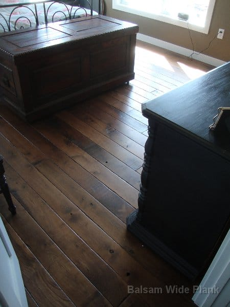 Skip_Sawn_Black_Walnut_Flooring