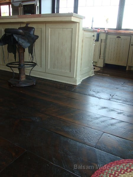 Skip_Sawn_Carriage_House_Pine_Floor