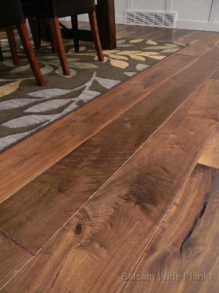 Skip_Sawn_and_High_Character_Walnut_Planks